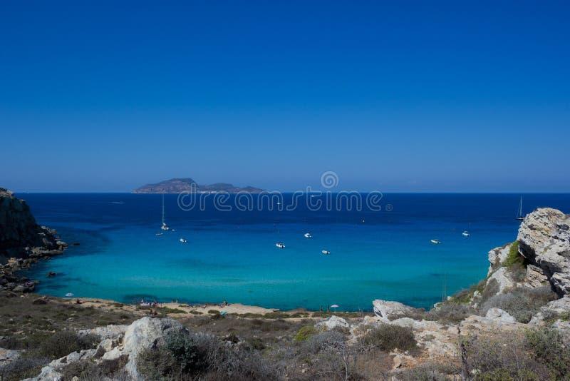 Download Mer de Favignanas photo stock. Image du méditerranéen - 45358940