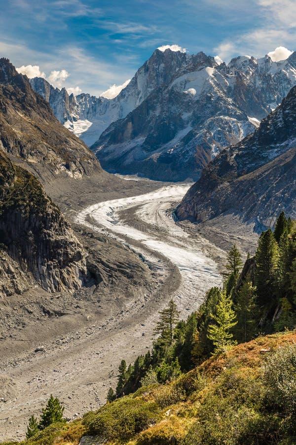 Mer De Glace Glaciär-Mont Blanc massiv, Frankrike royaltyfri bild