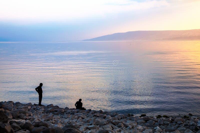 Mer de la Galilée, le soir photo stock