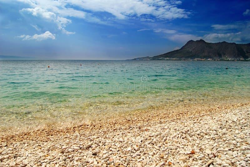 mer de montagnes image libre de droits