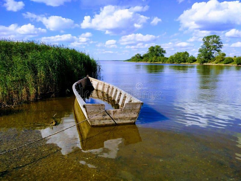 Mer de watter de bateau photographie stock libre de droits