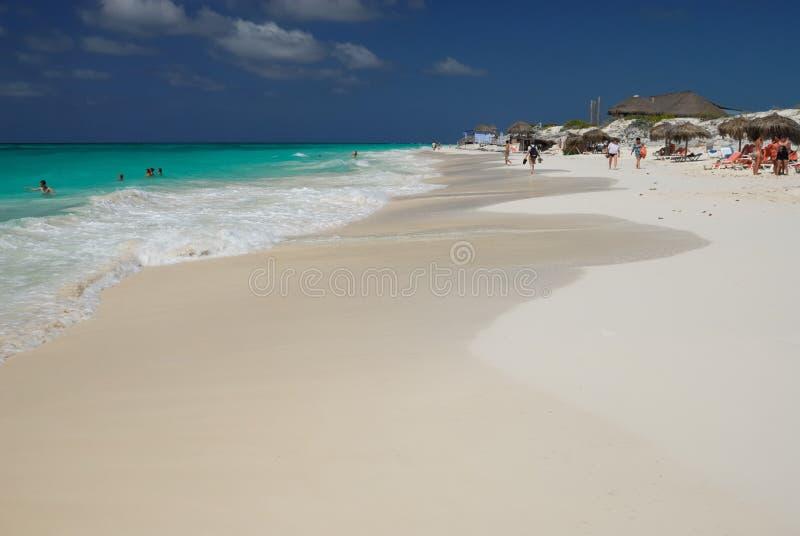 mer des Caraïbes du Cuba de plage photos stock