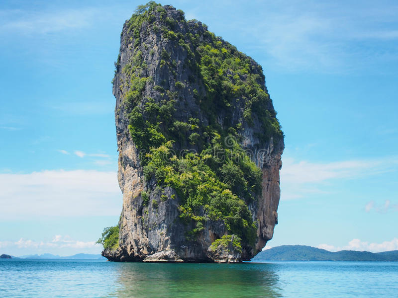 Mer et ciel bleu, Thaïlande photographie stock