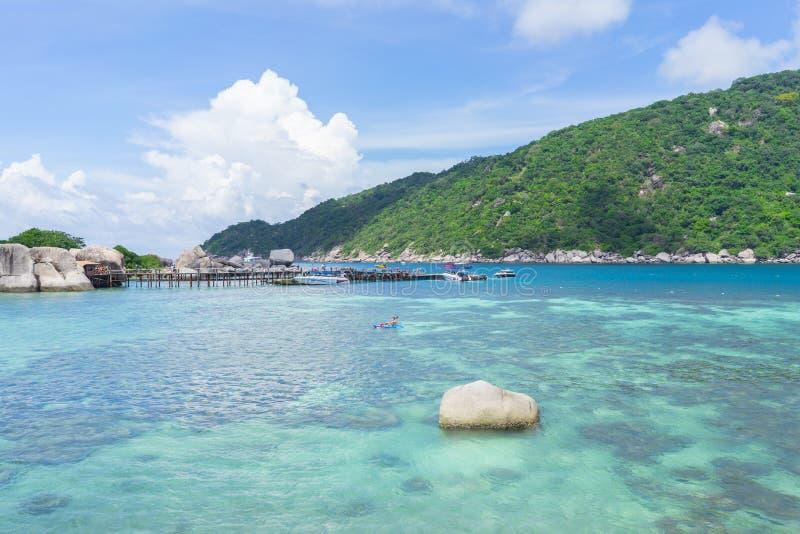 Mer et ciel chez Nang Yuan Island, Thaïlande image libre de droits