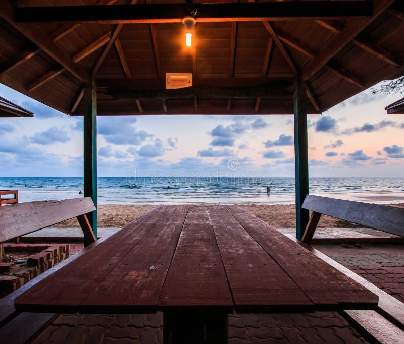 Mer et ciel de coucher du soleil photographie stock libre de droits
