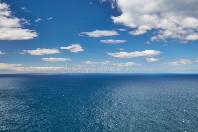 Mer et ciel sans fin images stock