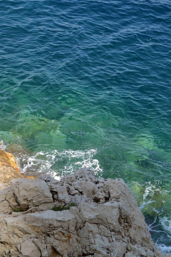 Mer et roches photos libres de droits