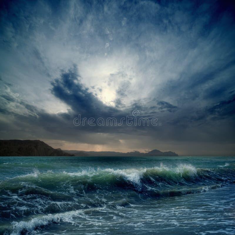 Mer orageuse image libre de droits