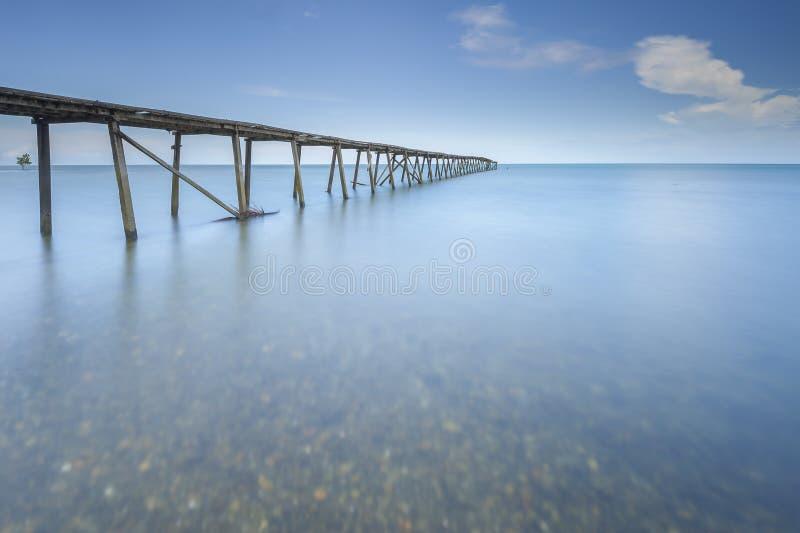 Mer ouverte de vieille vue de jetée, Lahad Datu Sabah photos libres de droits