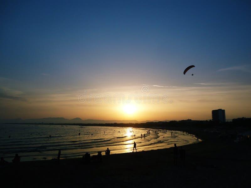 Mer, plage, coucher du soleil photographie stock