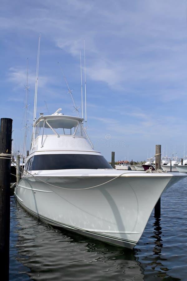 mer profonde de luxe de pêche de bateau photographie stock libre de droits