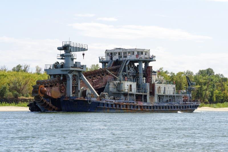 Mer ren vattenväg Don River för farled för skepprengöringflod Flod nära arkivbilder