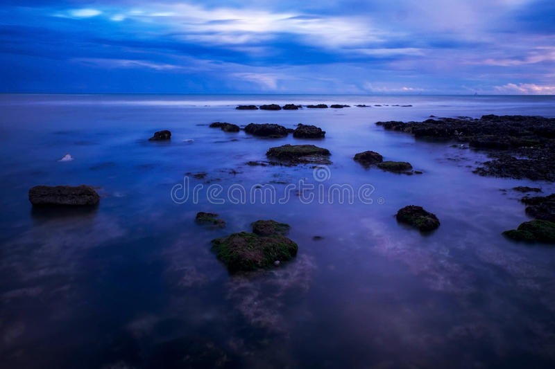 Mer, roches, rottingdean, Brighton images stock