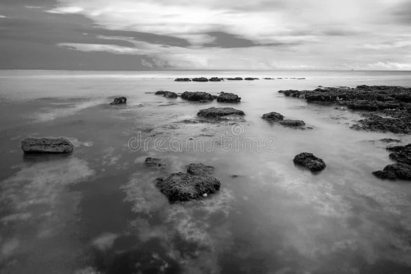 Mer, roches, rottingdean, Brighton photo stock