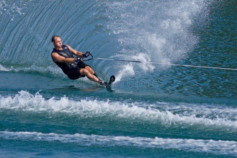 mer waterskiier royaltyfri bild