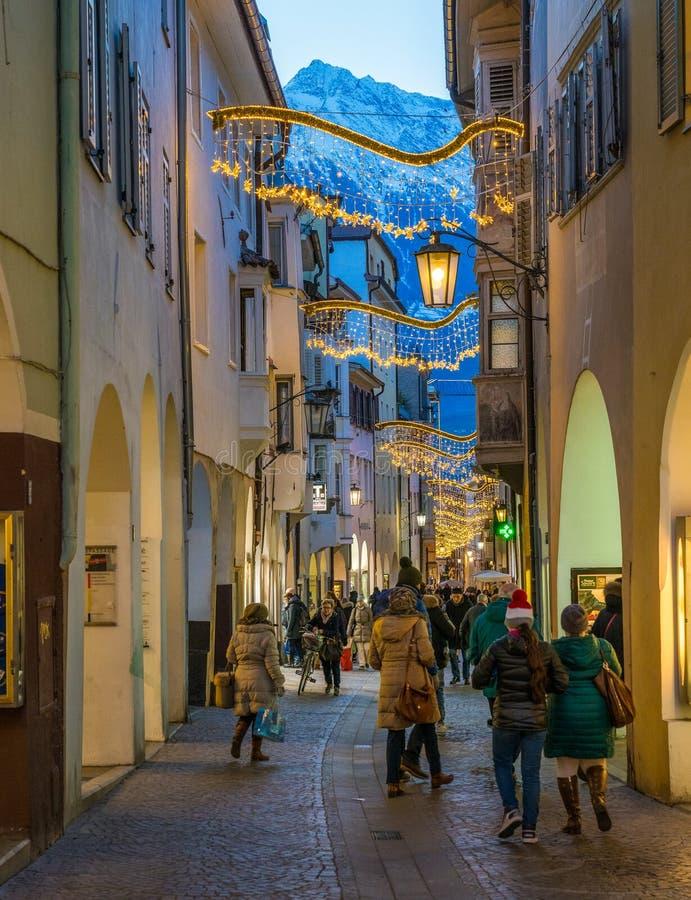 Merano durante o tempo na noite, Trentino Alto Adige do Natal, Itália do norte foto de stock royalty free
