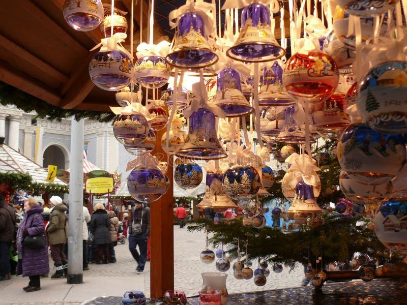 Merano Trentino, Italien 01/06/2011 Julmarknad arkivbild