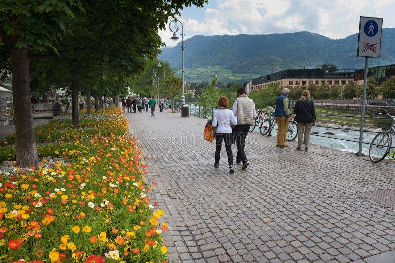 Merano, uma cidade bonita nas montanhas alpinas de Tirol sul imagem de stock royalty free
