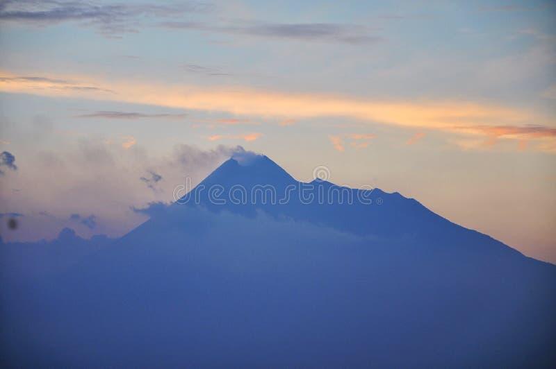 Merapi Berg lizenzfreie stockfotos