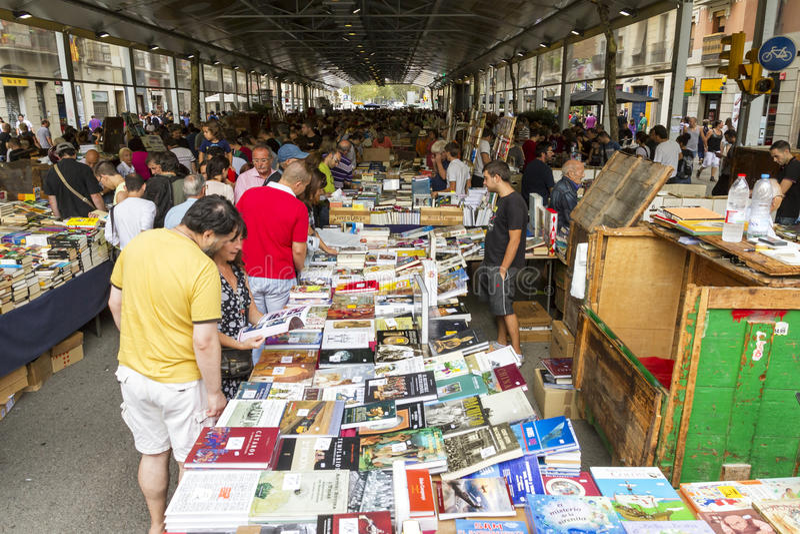 Mercado Barcelona Spain de San Antonio do livro foto de stock royalty free