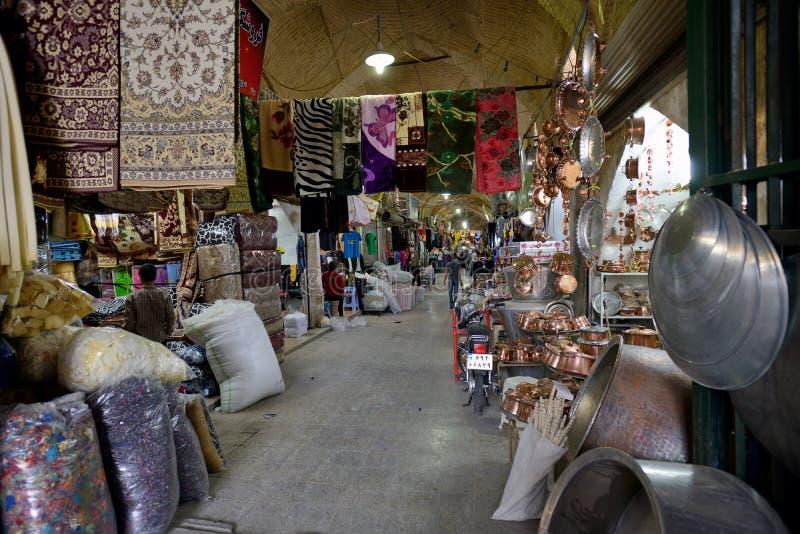 Mercado (bazar de Vakil) em Shiraz, Irã foto de stock royalty free