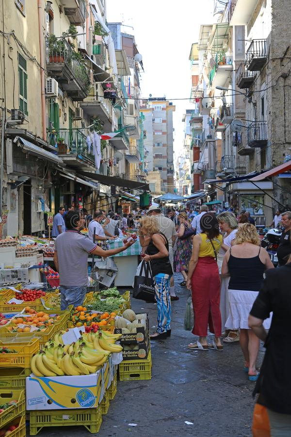 Mercado callejero de Nápoles fotos de archivo libres de regalías