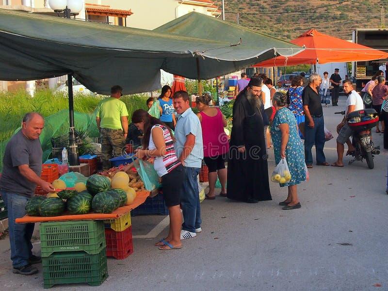 Mercado callejero griego semanal foto de archivo