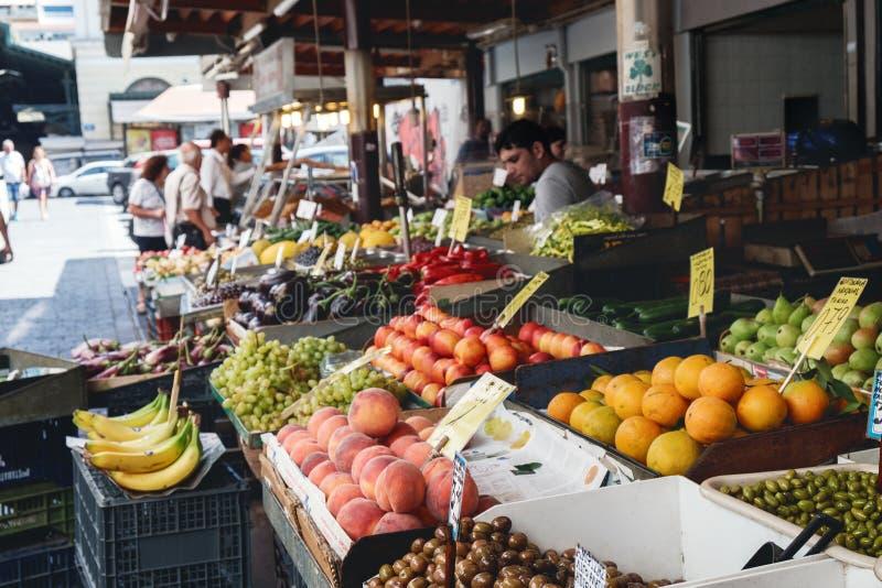 Mercado central de Atenas em Grécia imagens de stock royalty free