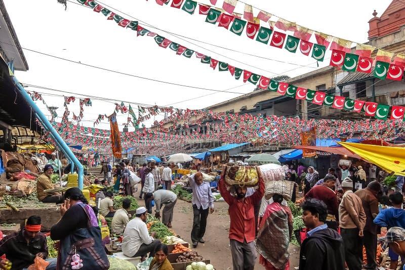 Mercado central em Bangalore, Índia foto de stock