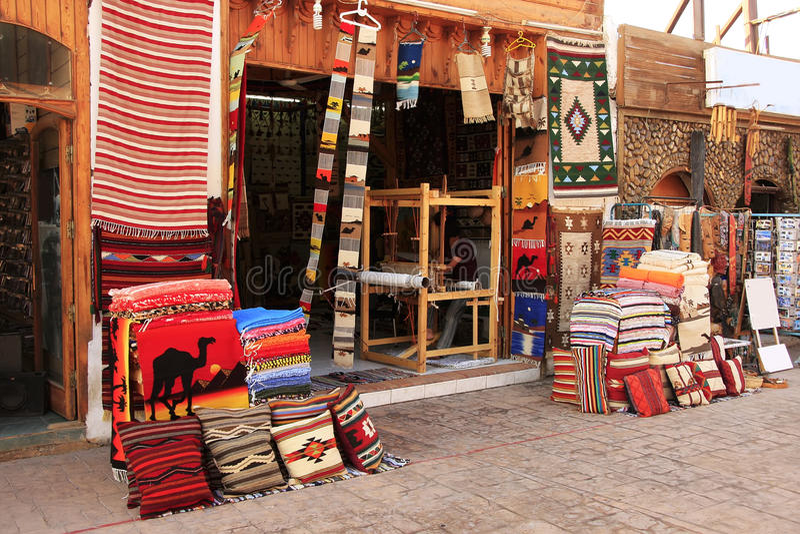 Mercado colorido, Dahab, Egito foto de stock