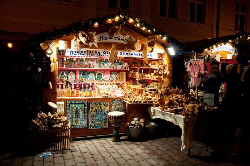 Mercado colorido de la Navidad en Potsdam foto de archivo