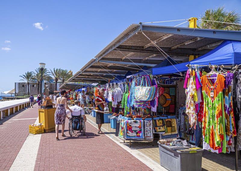 Mercado colorido en Curaçao foto de archivo
