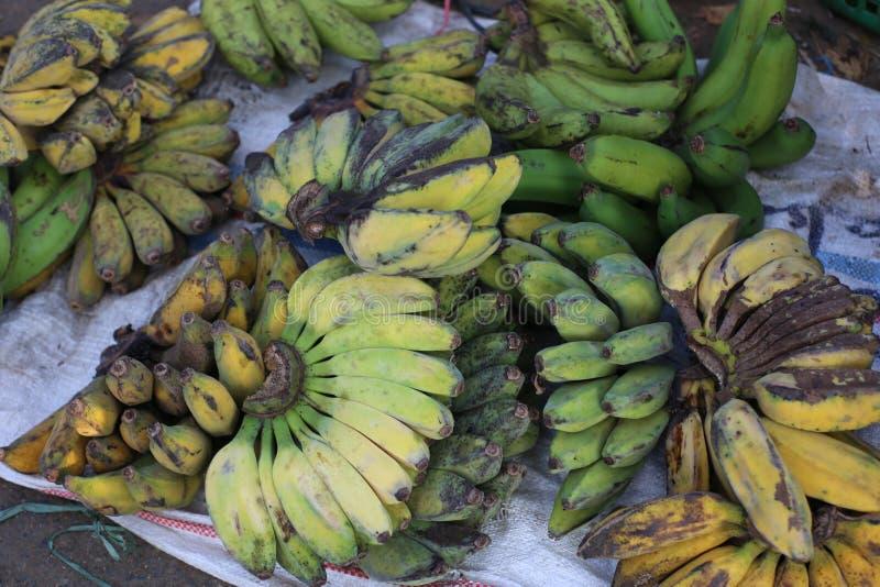 Mercado cru da banana fotografia de stock