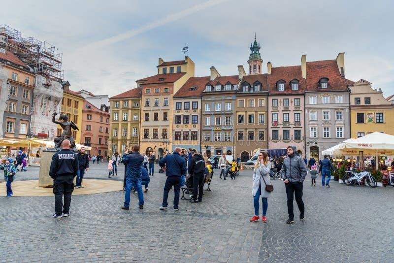 Mercado da cidade velha em Varsóvia poland fotografia de stock