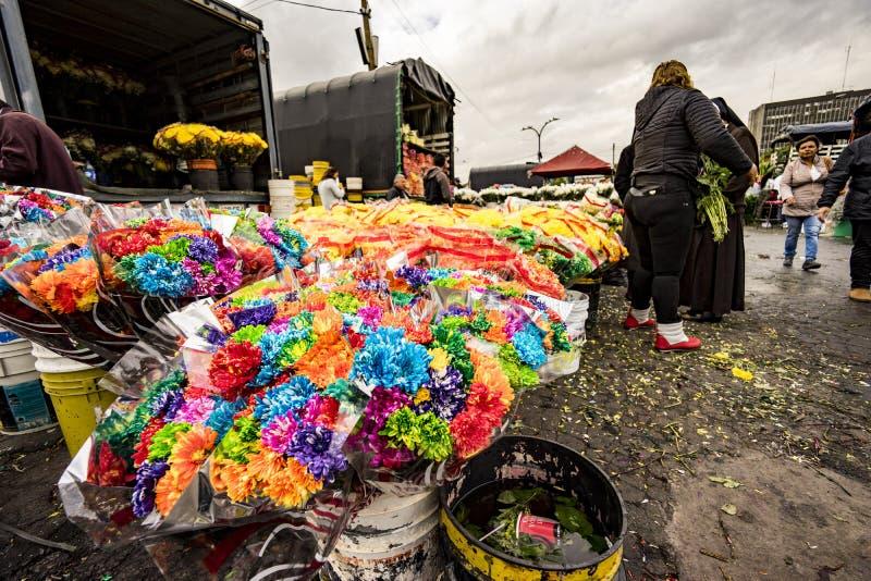 Mercado da flor em Paloquemao Bogotá Colômbia foto de stock royalty free