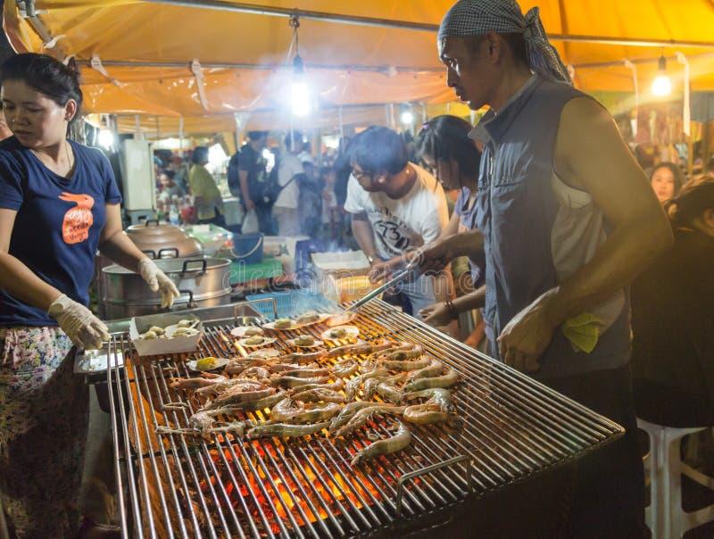 Mercado da noite de Krabi imagem de stock royalty free