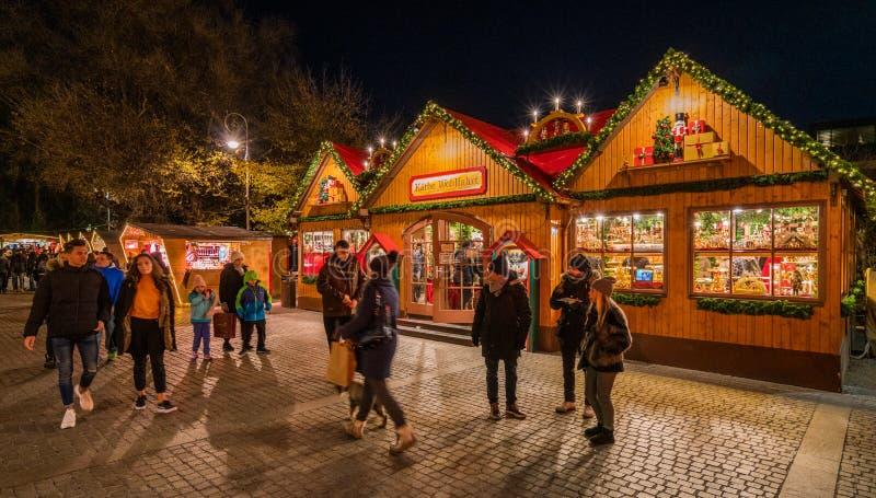 Mercado da noite, Trentino Alto Adige do Natal de Merano, Itália do norte fotografia de stock