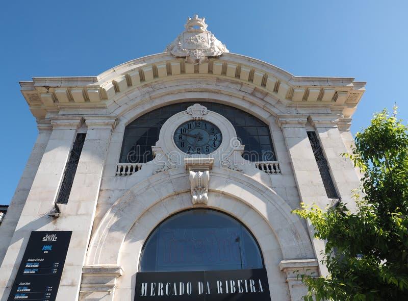 Mercado da Ribeira i Lissabon i Portugal royaltyfria foton