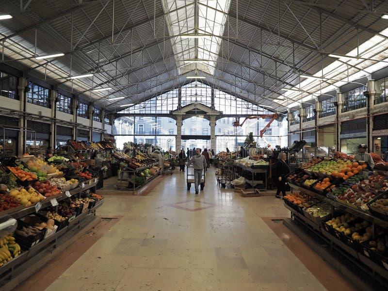 Mercado da Ribeira a Lisbona nel Portogallo immagine stock libera da diritti