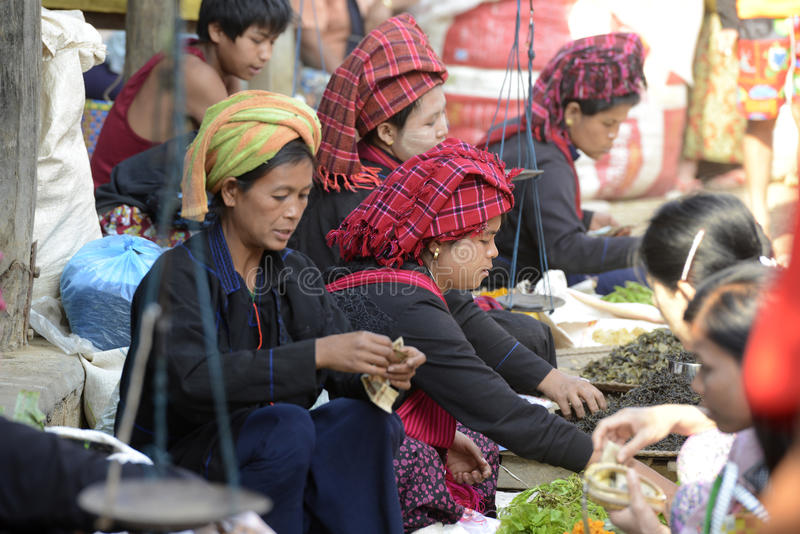 MERCADO DE ÁSIA MYANMAR NYAUNGSHWE imagem de stock