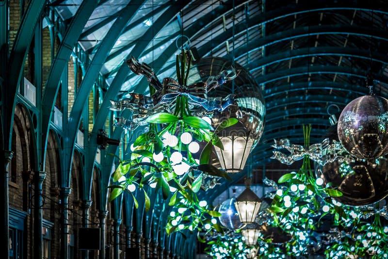 Mercado de Apple del jardín de Covent en la Navidad, Londres imagen de archivo