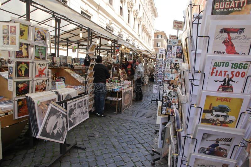 Mercado de calle en Roma, Italia foto de archivo