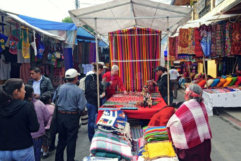 Mercado de Chichicastenango fotos de archivo