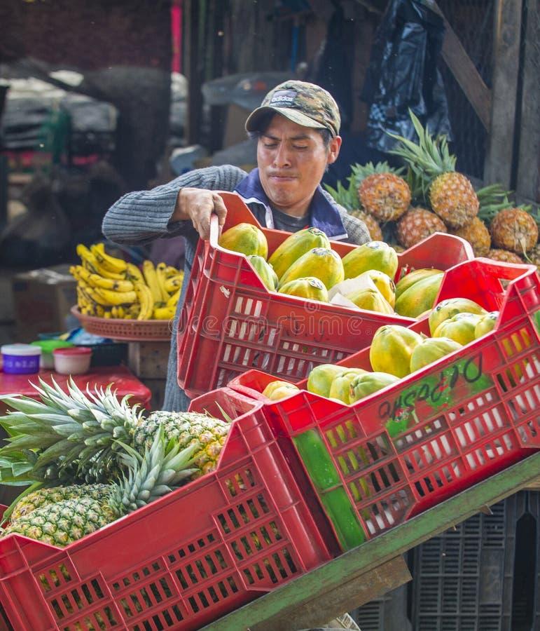 Mercado de Chichicastenango imágenes de archivo libres de regalías