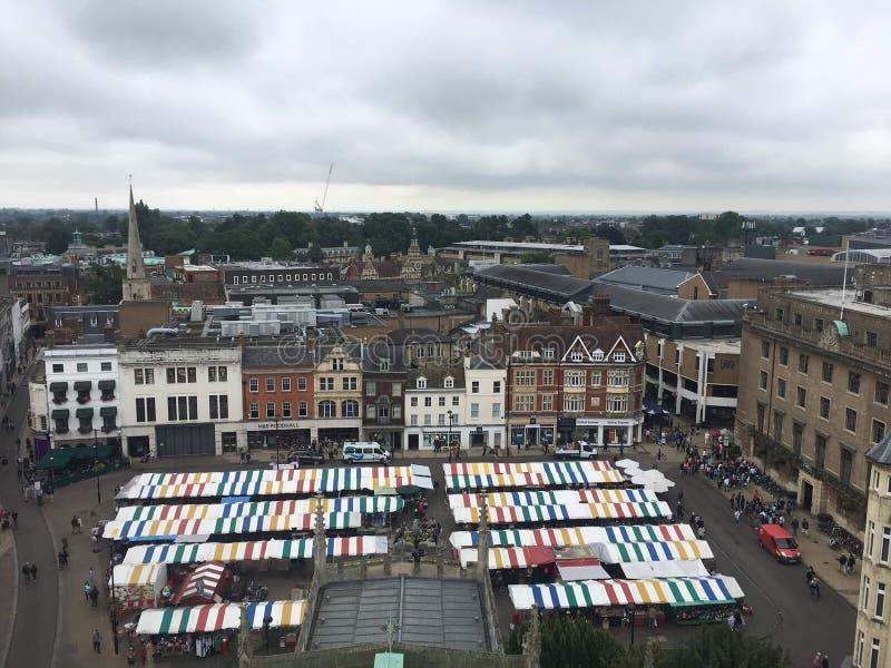 mercado de domingo en la Universidad de Cambridge imágenes de archivo libres de regalías