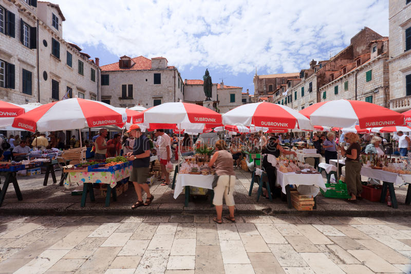 Mercado de Dubrovnik foto de archivo libre de regalías