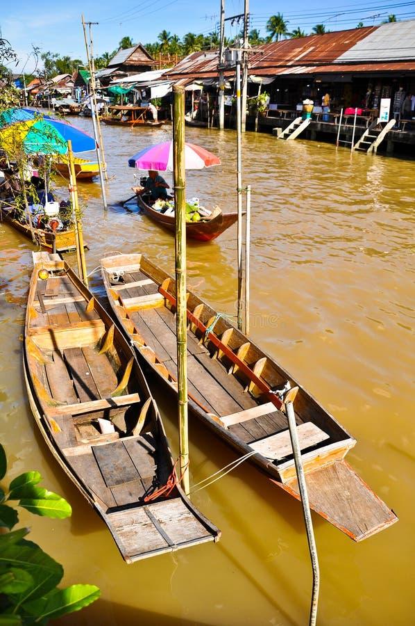 Mercado de flutuação de Ampawa, Tailândia fotos de stock