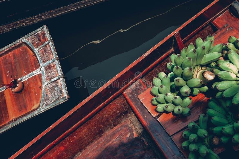 Mercado de flutuação de Amphawa foto de stock