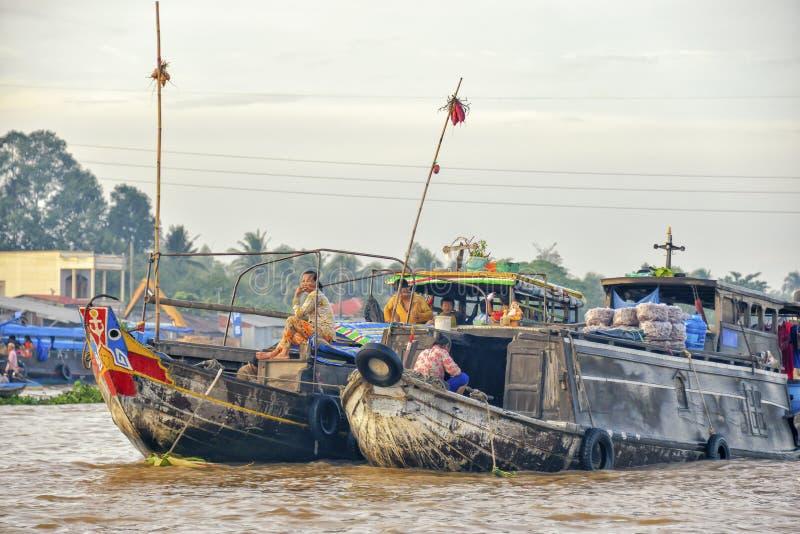 Mercado de flutuação, delta de Mekong, Can Tho, Vietname fotos de stock