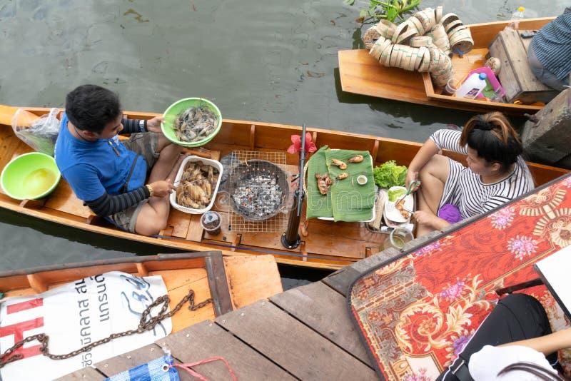 Mercado de flutuação em Banguecoque imagem de stock royalty free